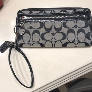Coach clutch/Wallet